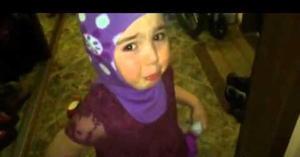 онлайн видео о том как девочку лишают девственности