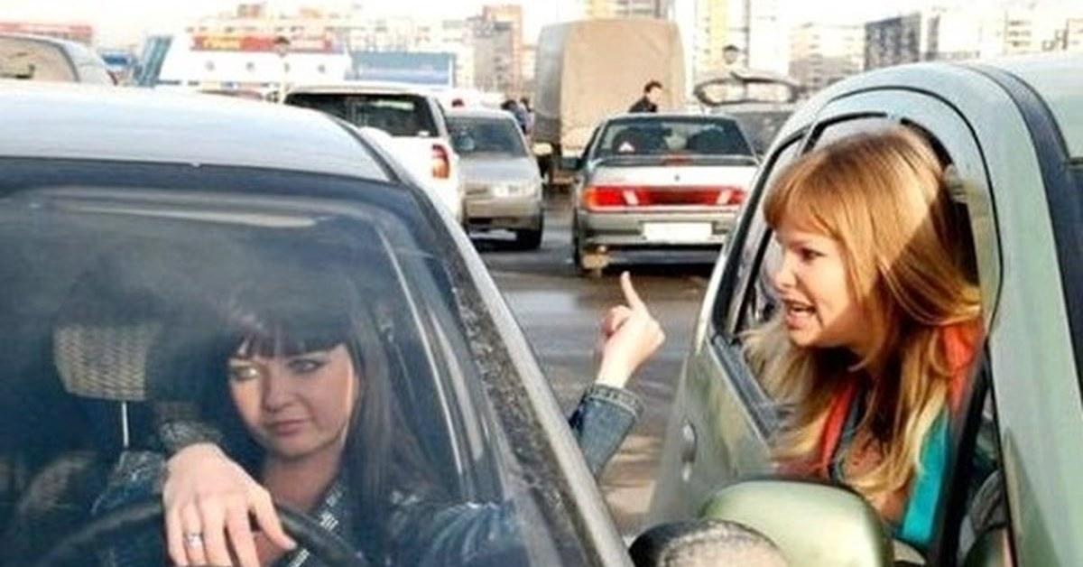 фото баб в машинах